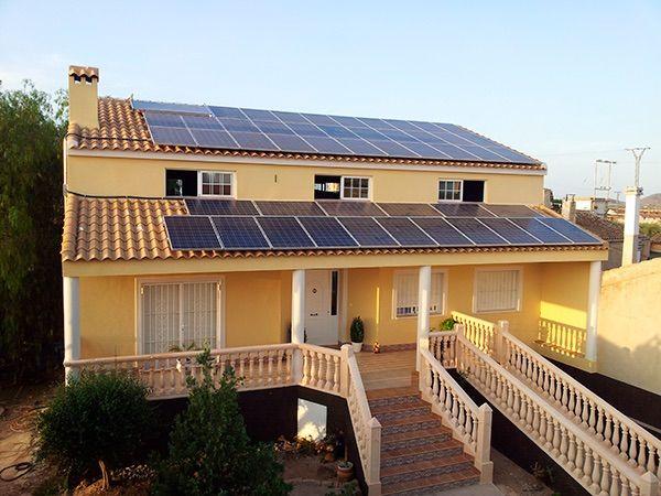 Desenchufado de la red eléctrica con energia solar