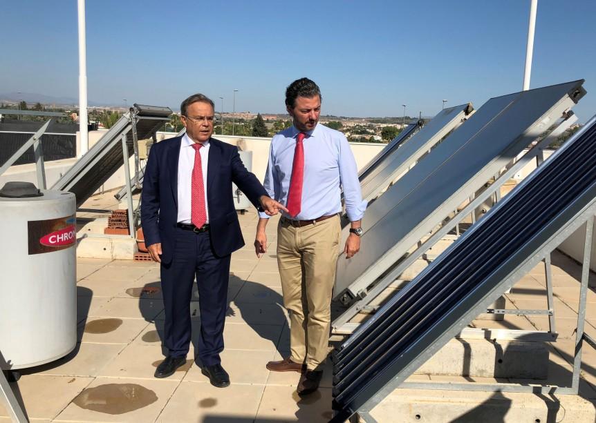 Ayudas en placas solares para calentar agua en Murcia